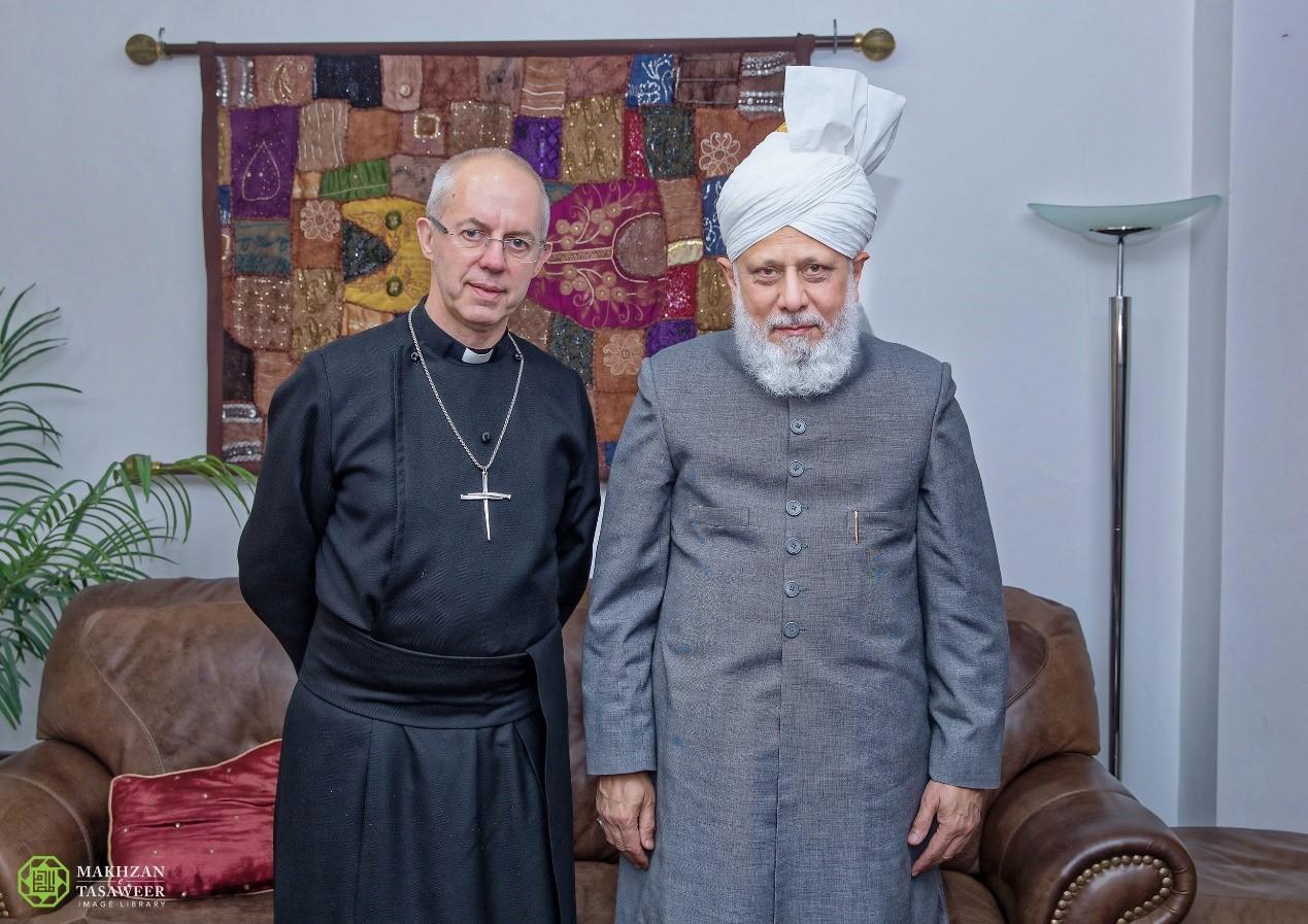 رئيس أساقفة كانتربري يزور إمام الجماعة الإسلامية الأحمدية العالمية