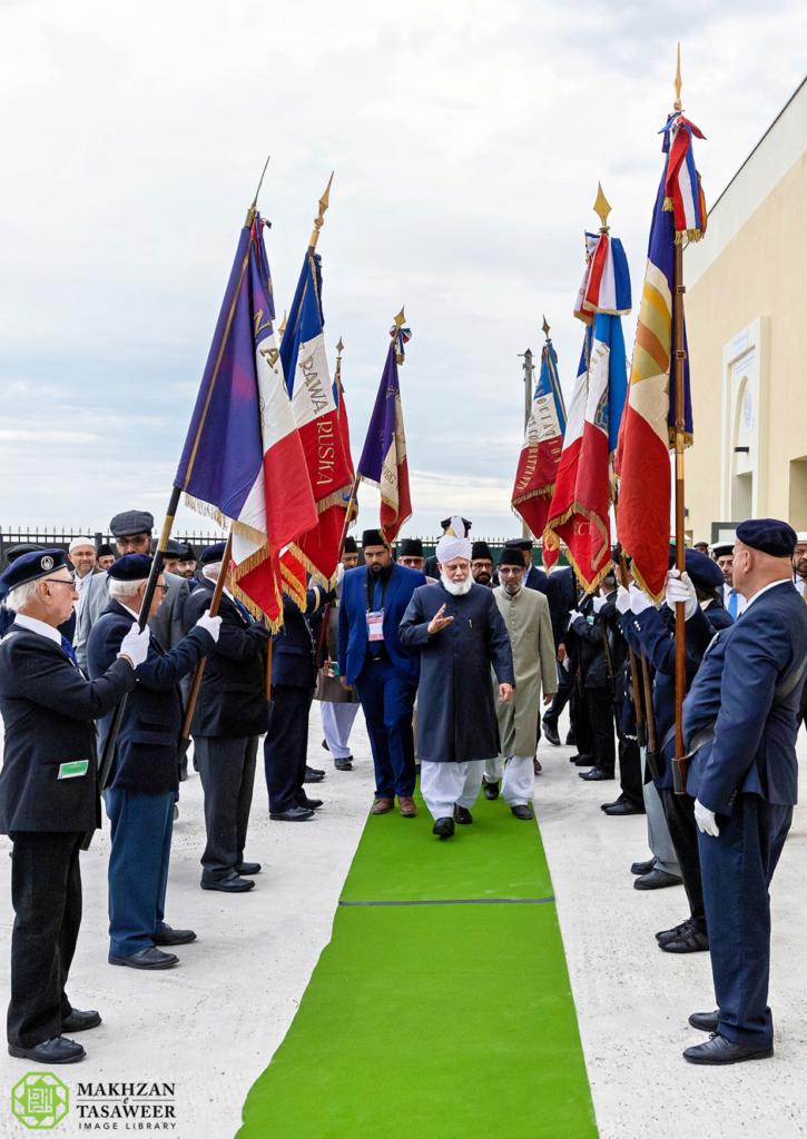 إمام الجماعة الإسلامية الأحمدية العالمية يلقي الخطاب الرئيس في حفل افتتاح مسجد جديد للجماعة في ستراسبورغ